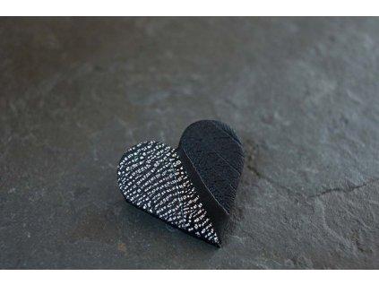 Brož SRDCE černé s kovovým efektem