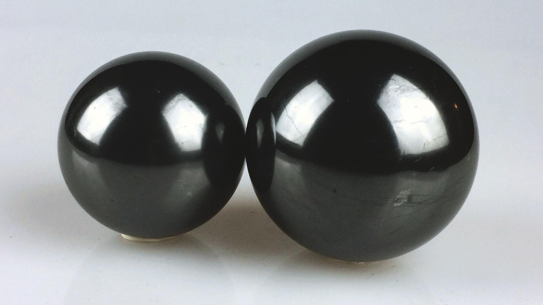 Shungite balls