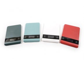 142145 digitalni kuchynska vaha 5 kg 23x16x1 5cm v ruznych barvach darkova krabicka