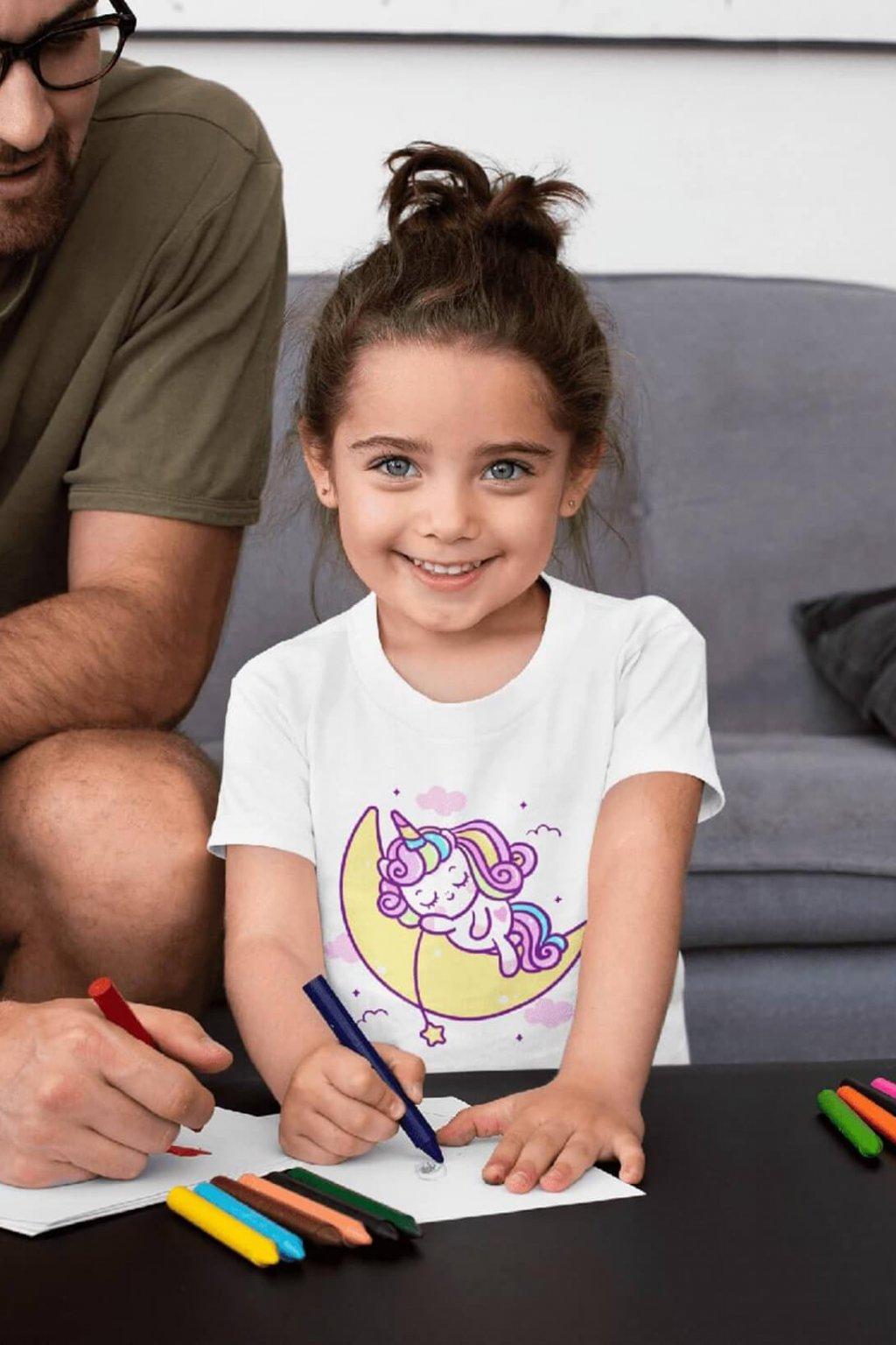 Dievčenské tričko Spiaci jednorožec