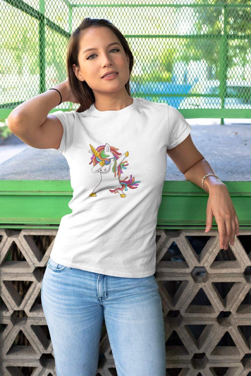 Dámske tričko Dabujúci unicorn