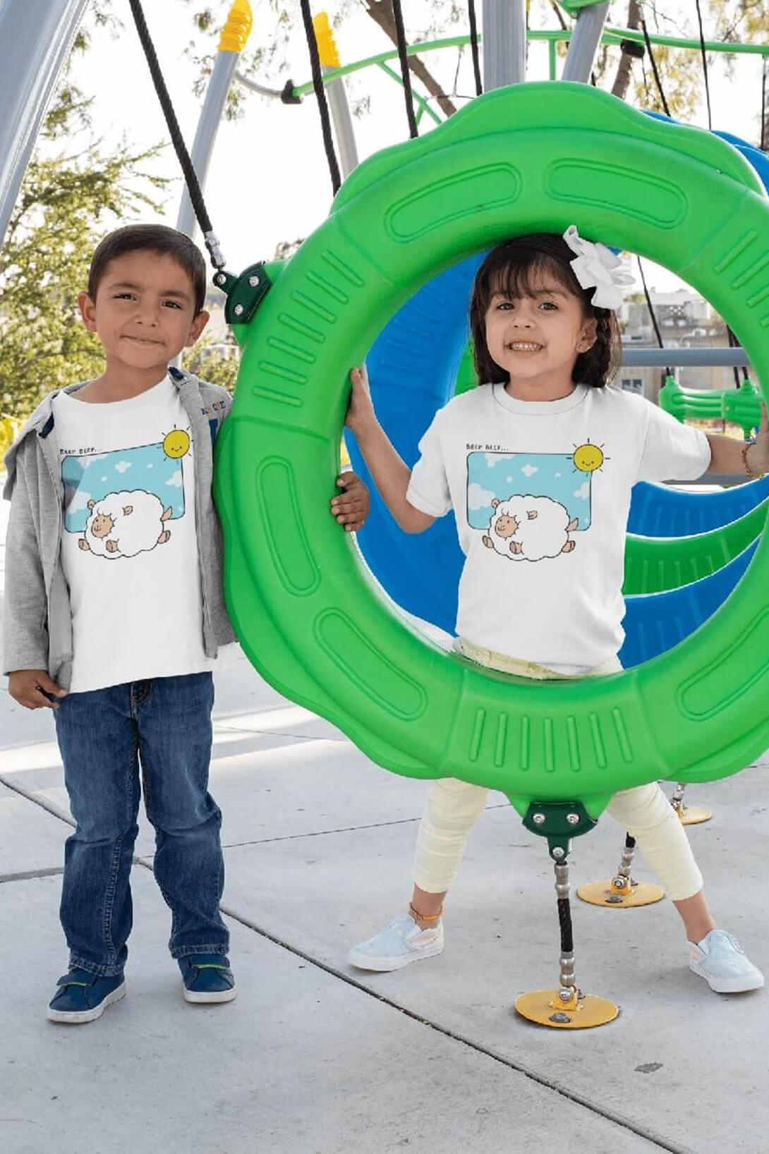 MMO Detské tričko Šťastná ovečka Vyberte farbu:: Biela, Detská veľkosť: 110/4 roky