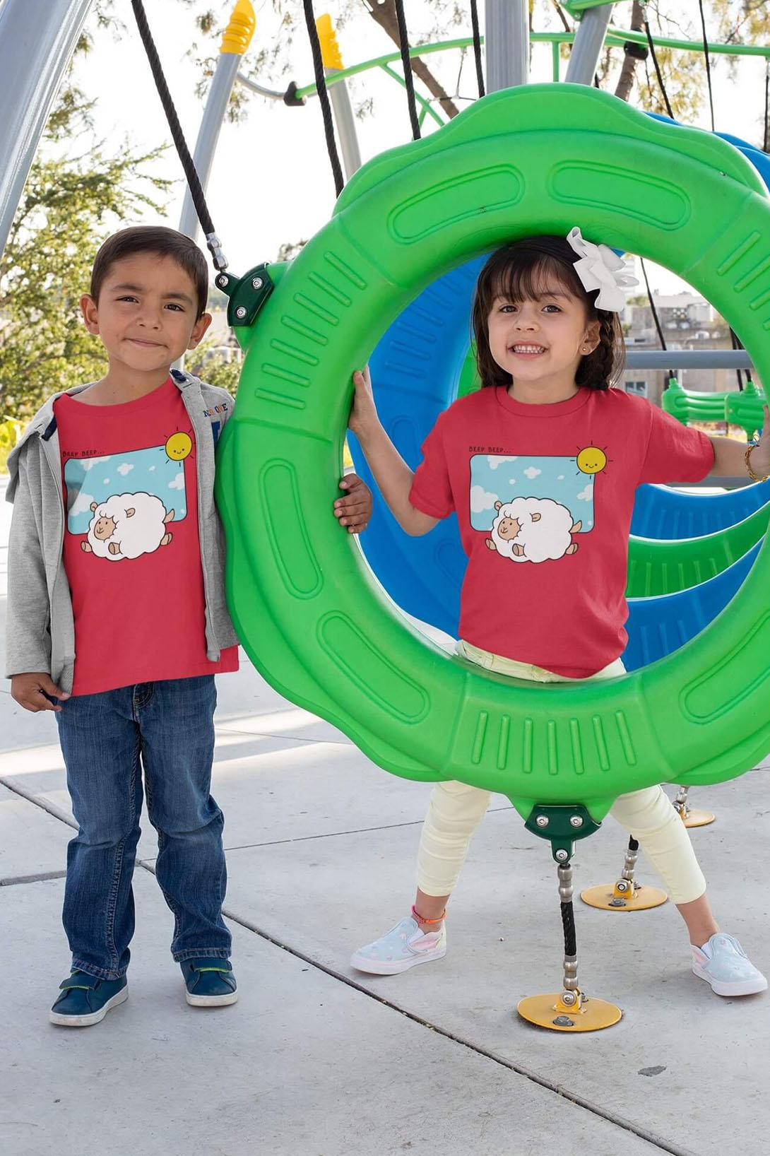 MMO Detské tričko Šťastná ovečka Vyberte farbu:: Červená, Detská veľkosť: 110/4 roky