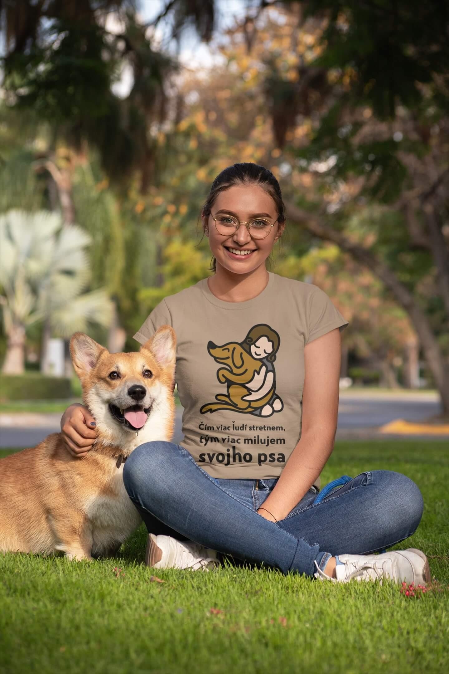 MMO Dámske tričko Milujem svojho psa Vyberte farbu: Piesková, Vyberte veľkosť: XS
