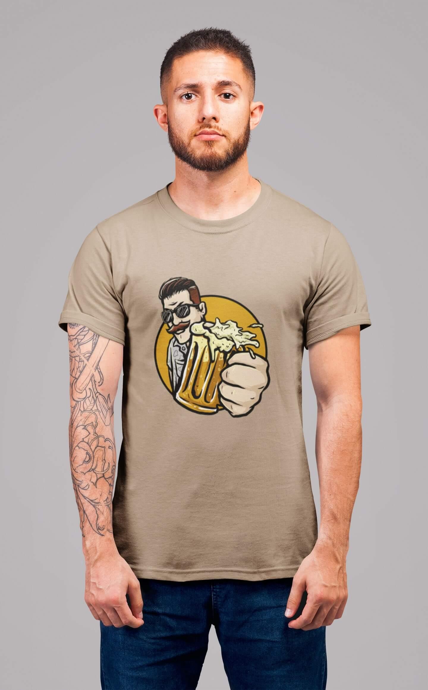 MMO Pánske tričko Chlap s pivom v ruke Vyberte farbu: Piesková, Vyberte veľkosť: L