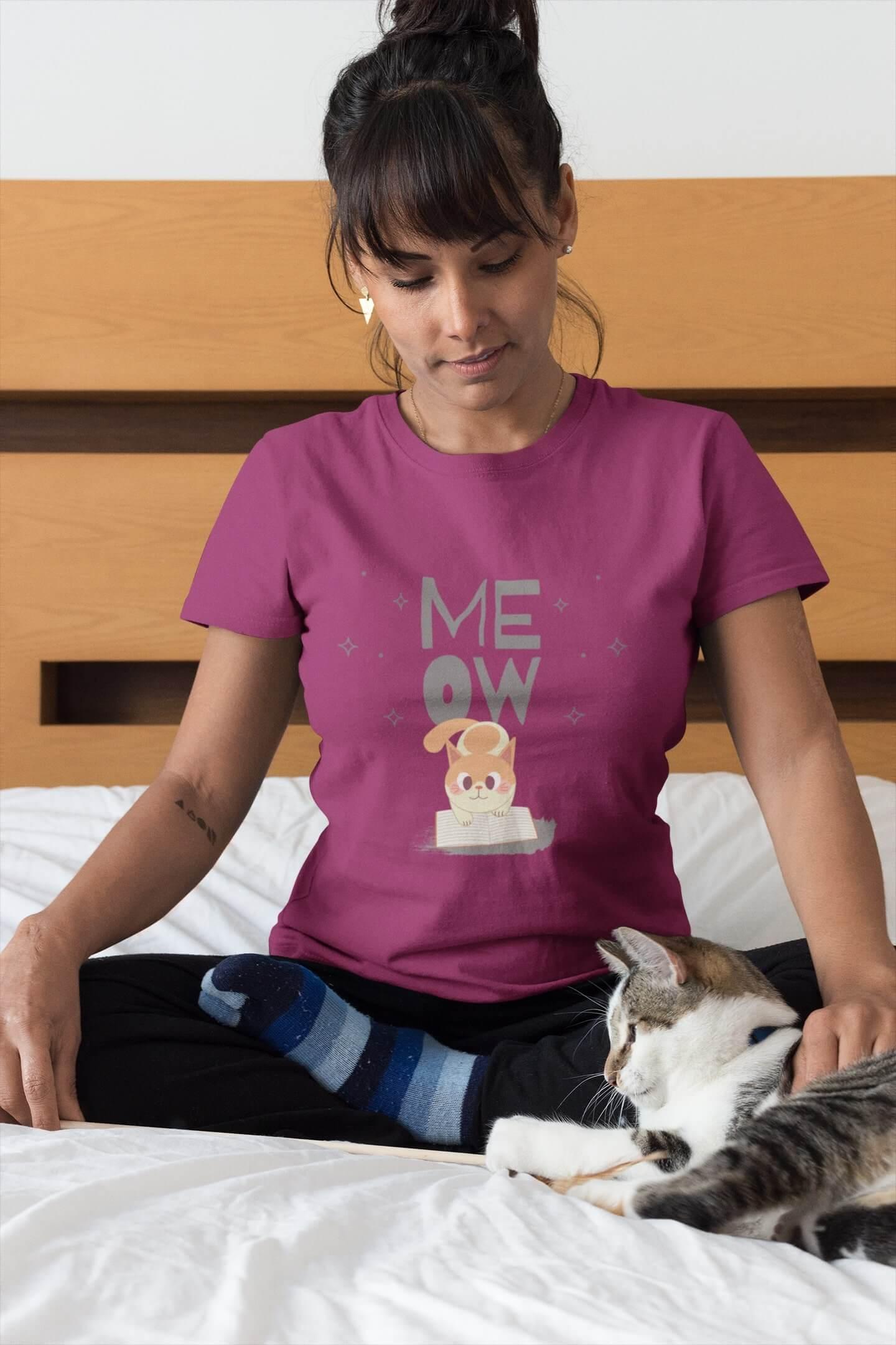 MMO Dámske tričko Mačička s knihou Vyberte farbu: Fuchsiovo červená, Vyberte veľkosť: XS