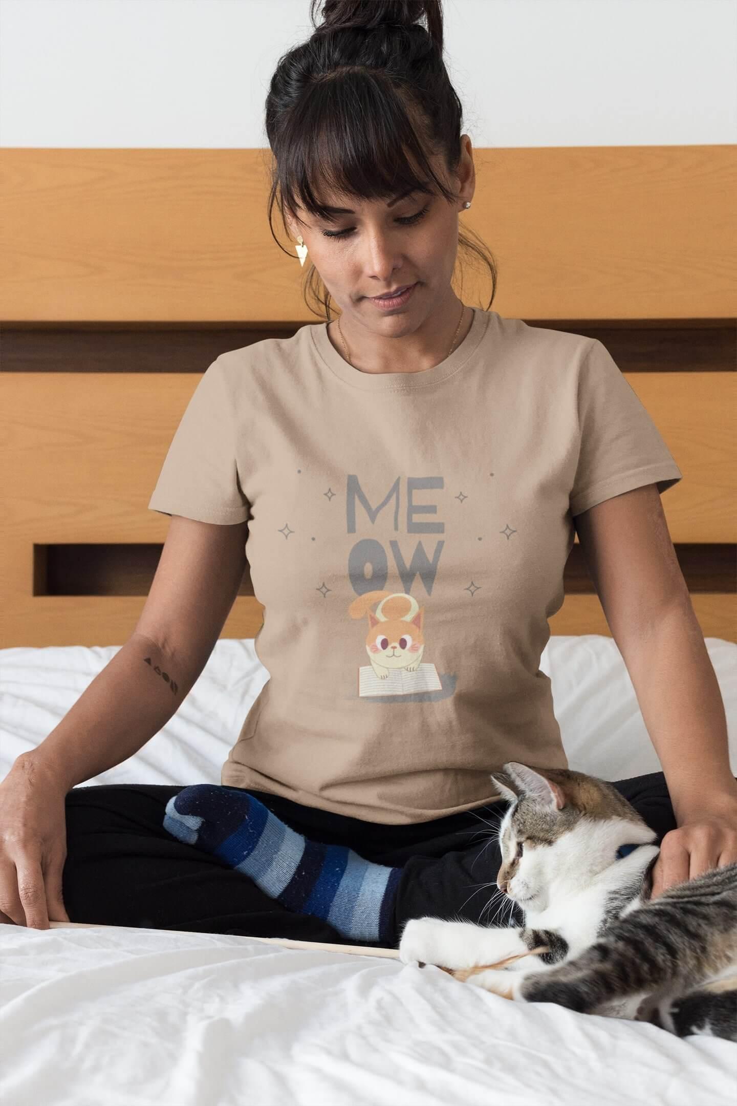 MMO Dámske tričko Mačička s knihou Vyberte farbu: Piesková, Dámska veľkosť: S