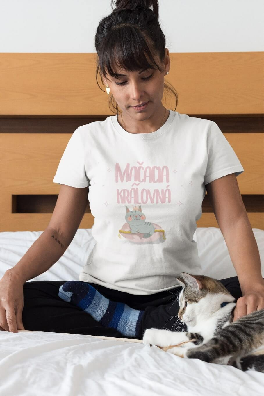 MMO Dámske tričko Mačacia kráľovná Vyberte farbu: Biela, Vyberte veľkosť: XS