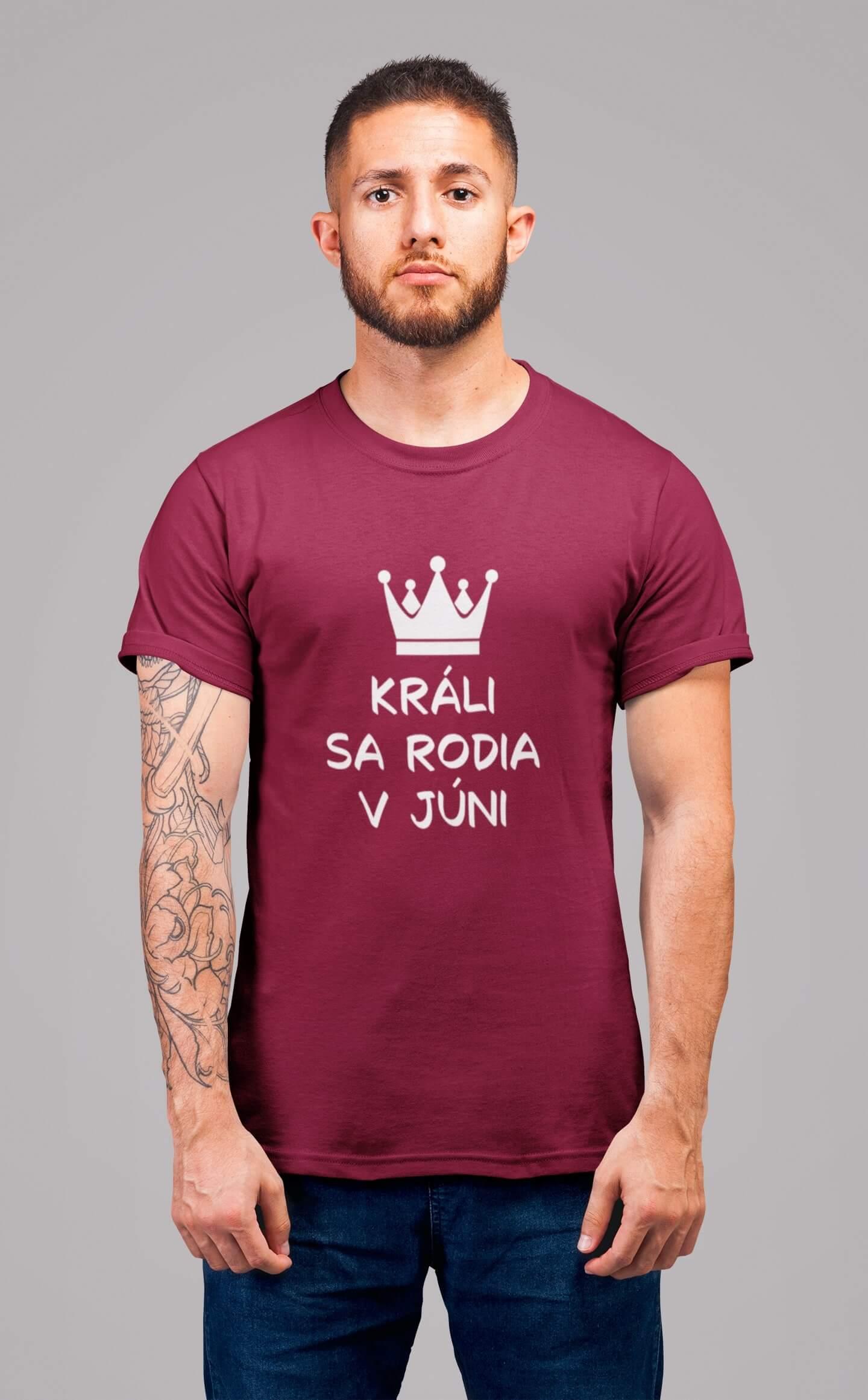 MMO Pánske tričko Králi sa rodia v júni Vyberte farbu: Marlboro červená, Vyberte veľkosť: M
