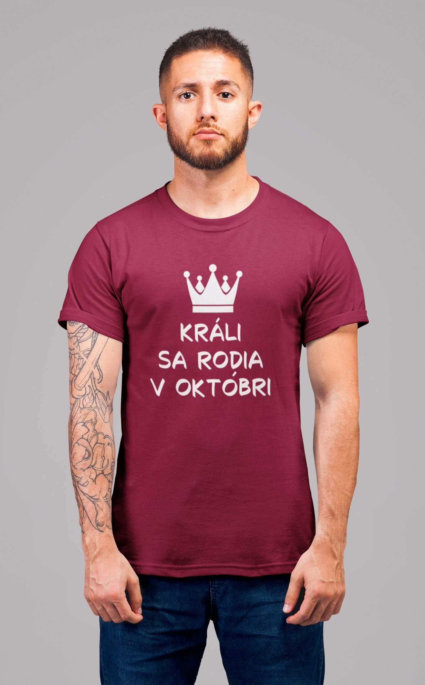 MMO Pánske tričko Králi sa rodia v októbri Vyberte farbu: Marlboro červená, Vyberte veľkosť: M