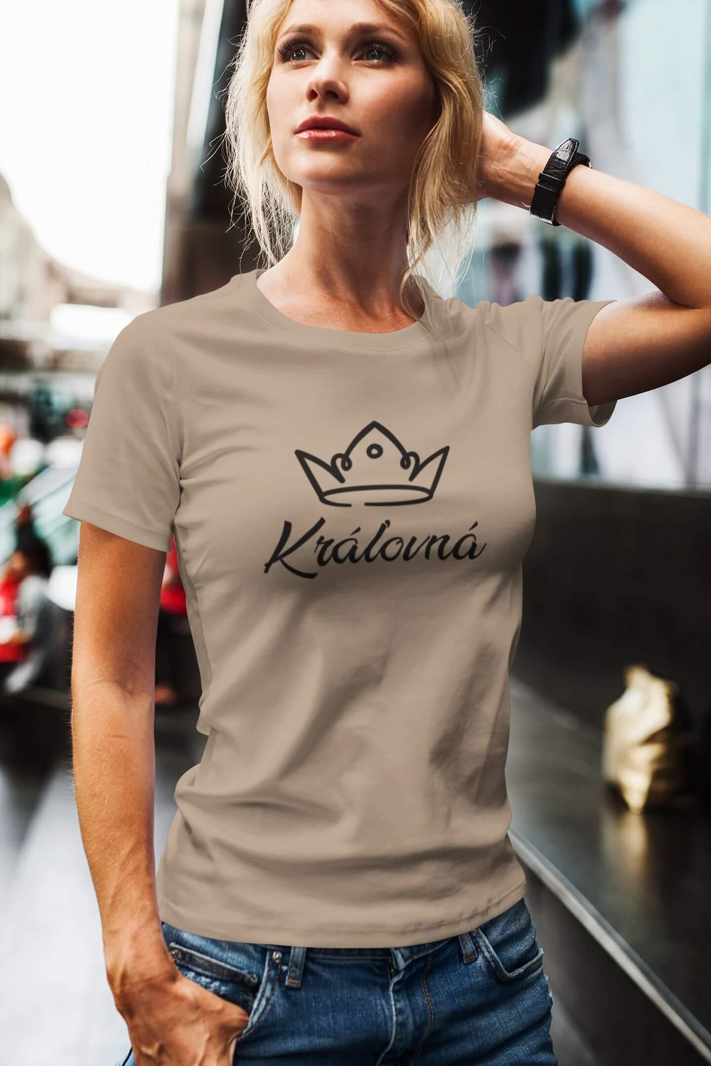 MMO Dámske tričko pre mamu Kráľovská rodina Vyberte farbu: Piesková, Vyberte veľkosť: L