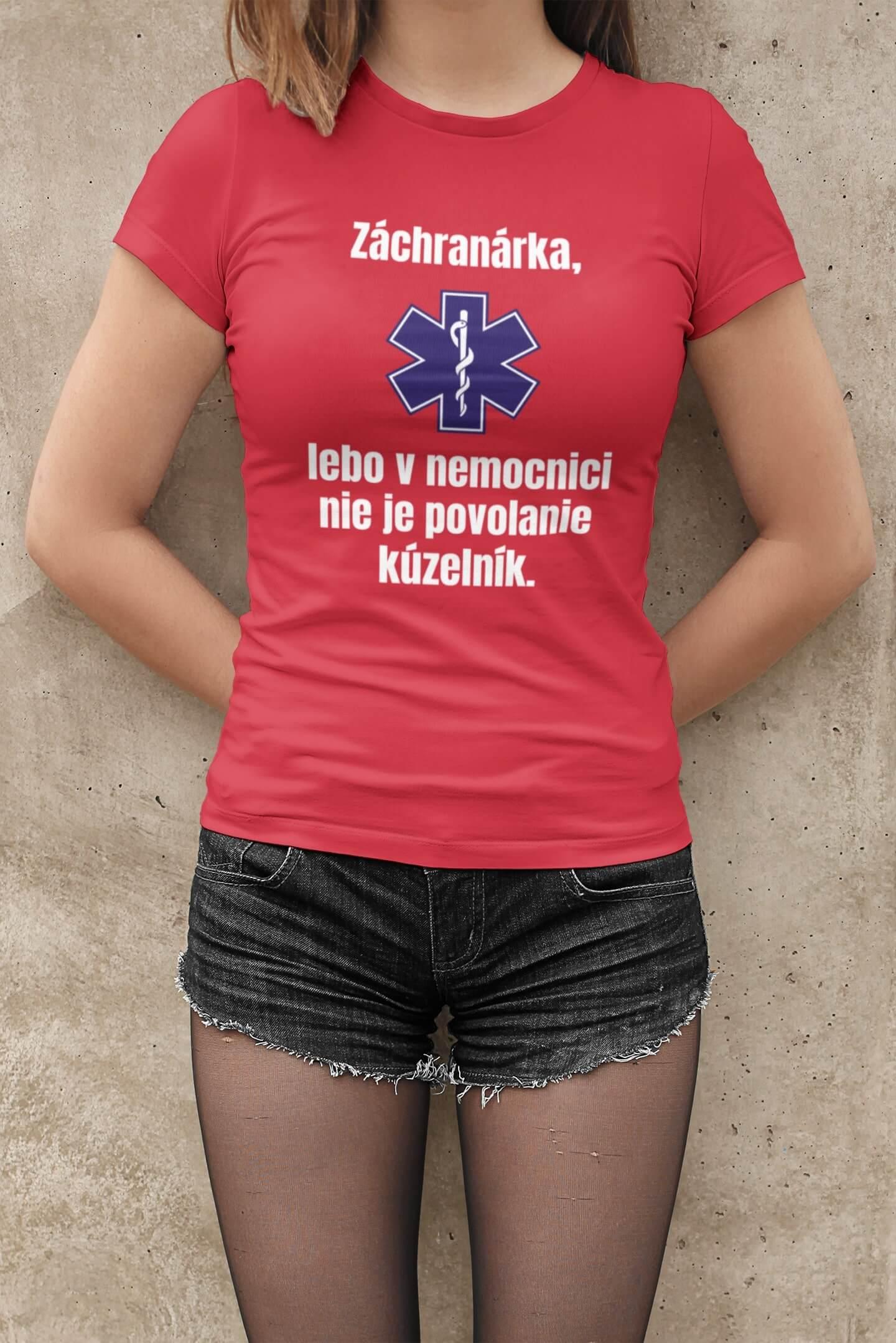 MMO Dámske tričko Záchranárka Vyberte farbu: Červená, Dámska veľkosť: M