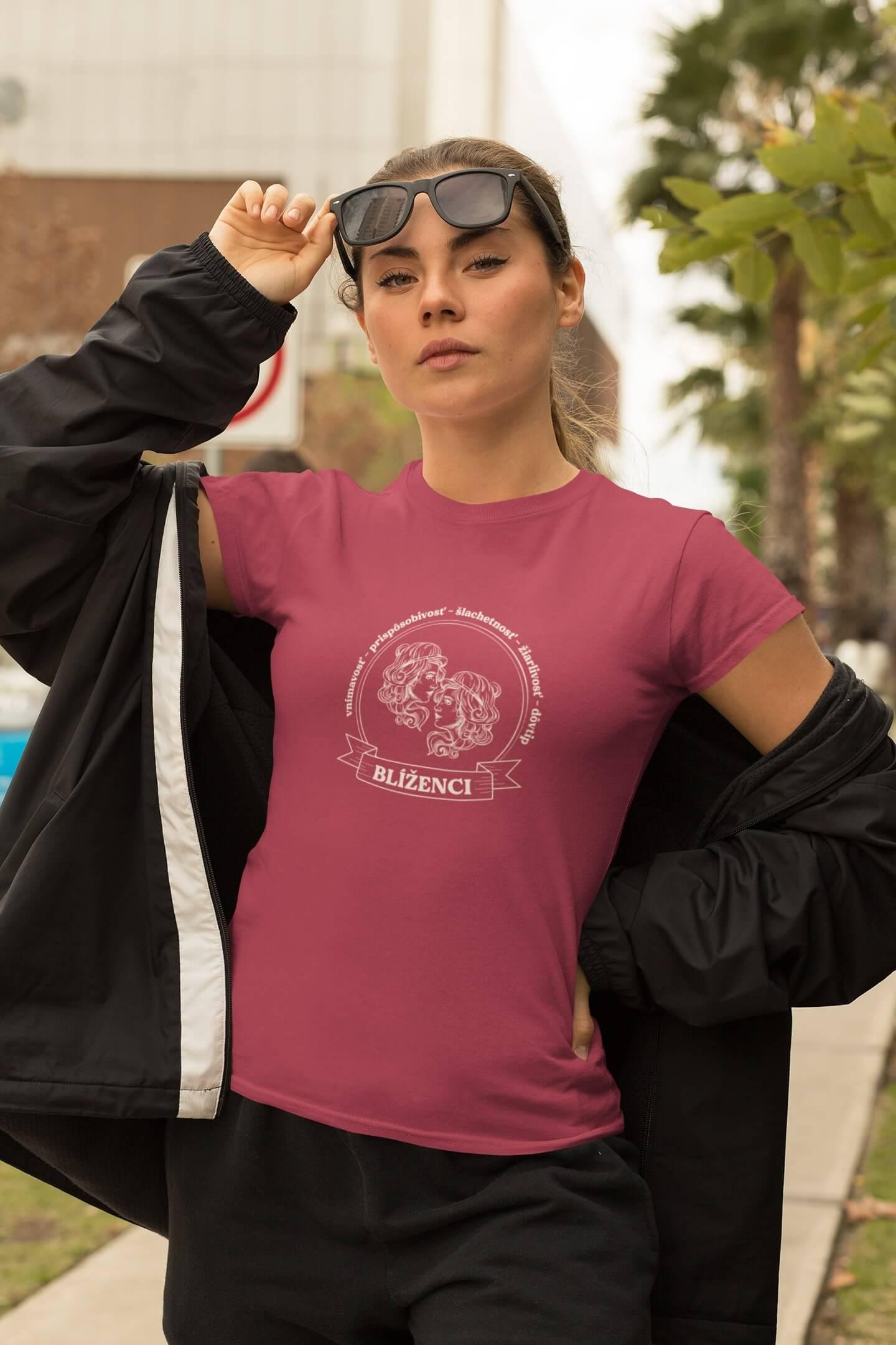 MMO Dámske tričko Blíženci Vyberte farbu: Purpurová, Vyberte veľkosť: XS