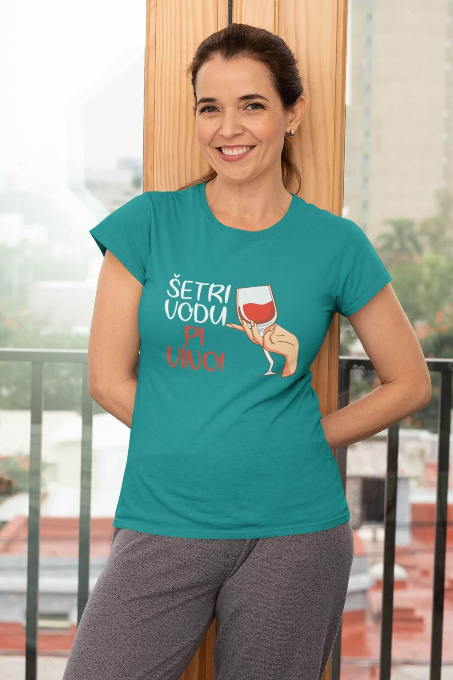 MMO Dámske tričko Pi víno! Vyberte farbu: Smaragdovozelená, Vyberte veľkosť: L