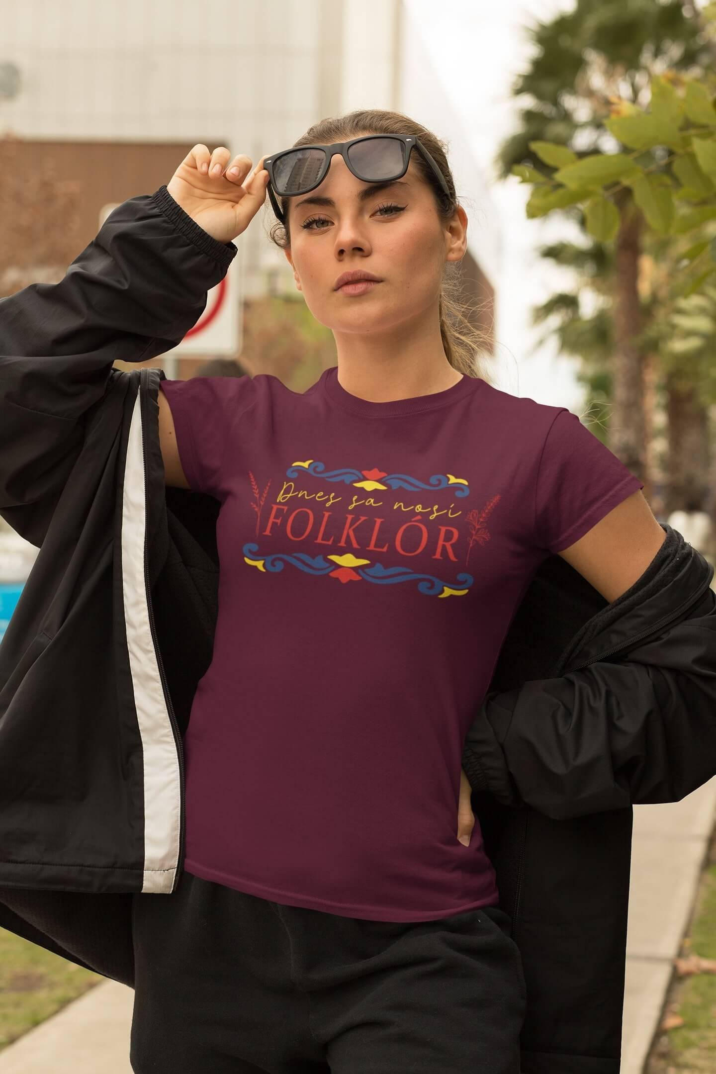 MMO Dámske tričko dnes sa nosí folklór Vyberte farbu: Fuchsiová, Vyberte veľkosť: S