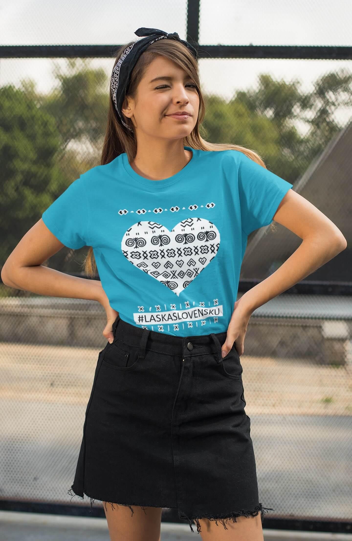 MMO Dámske tričko Láska Slovensku Vyberte farbu: Tyrkysová, Vyberte veľkosť: XS