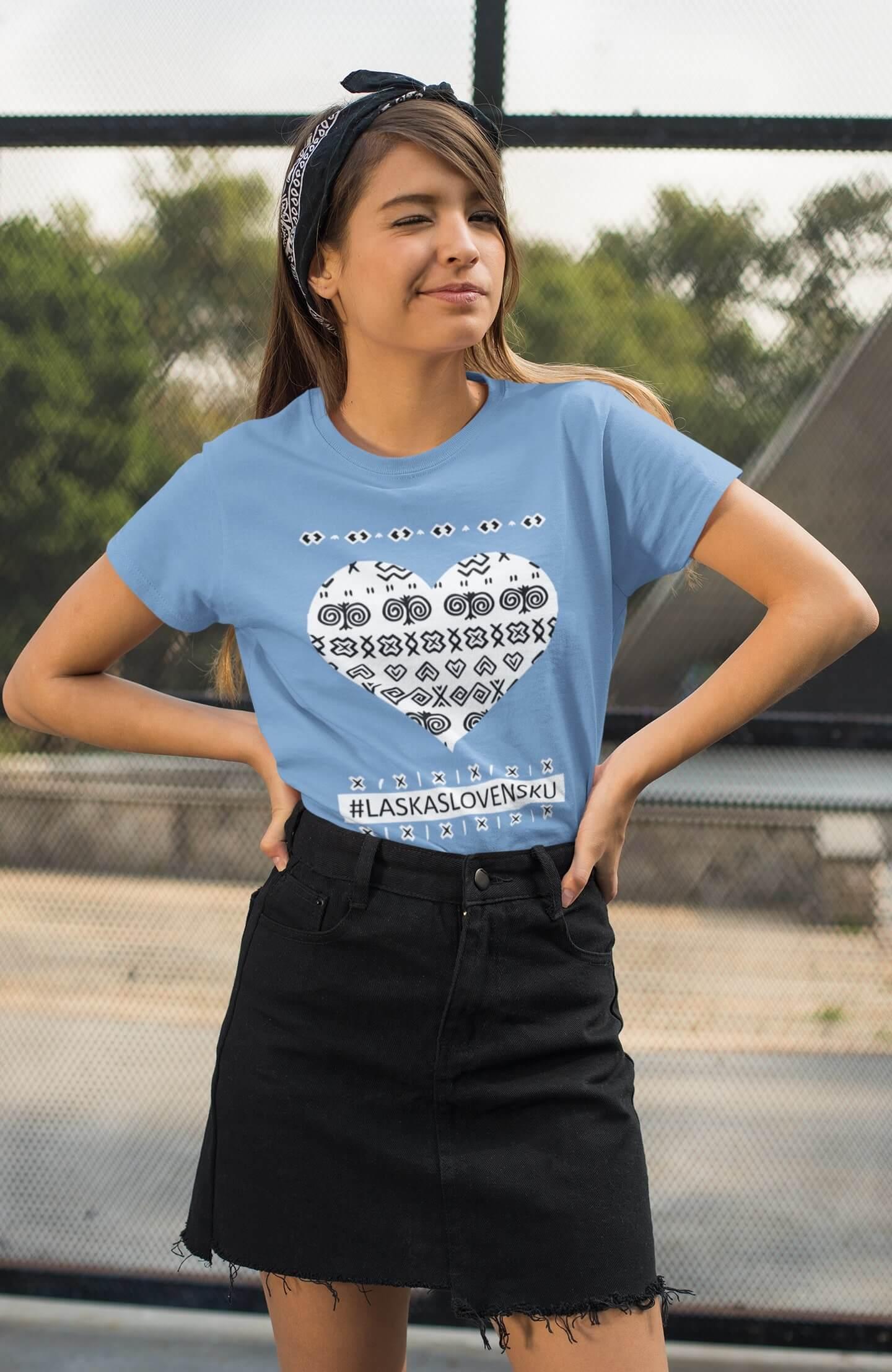 MMO Dámske tričko Láska Slovensku Vyberte farbu: Svetlomodrá, Vyberte veľkosť: XS