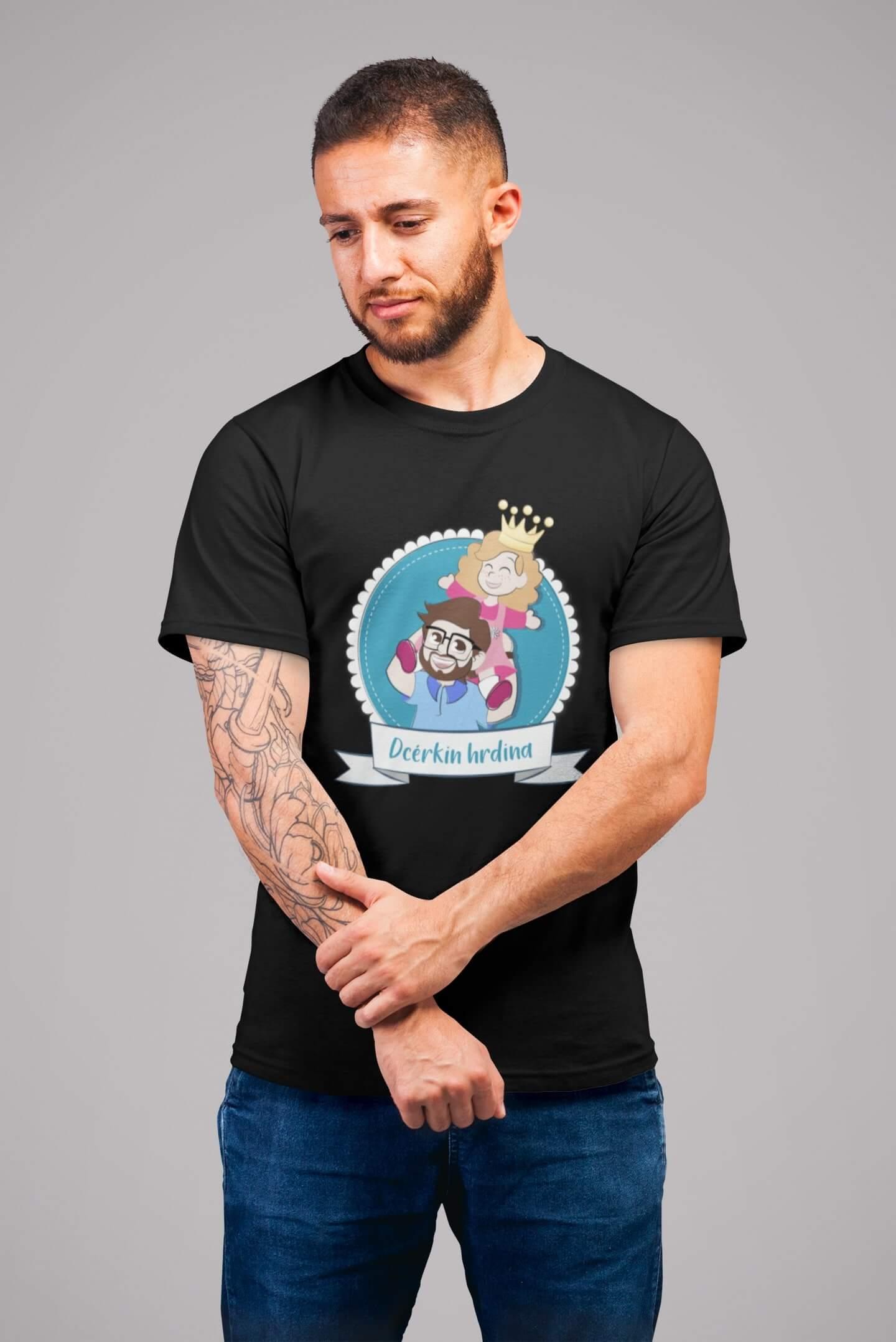 MMO Pánske tričko pre otca Dcérkin hrdina Vyberte farbu: Čierna, Vyberte veľkosť: S