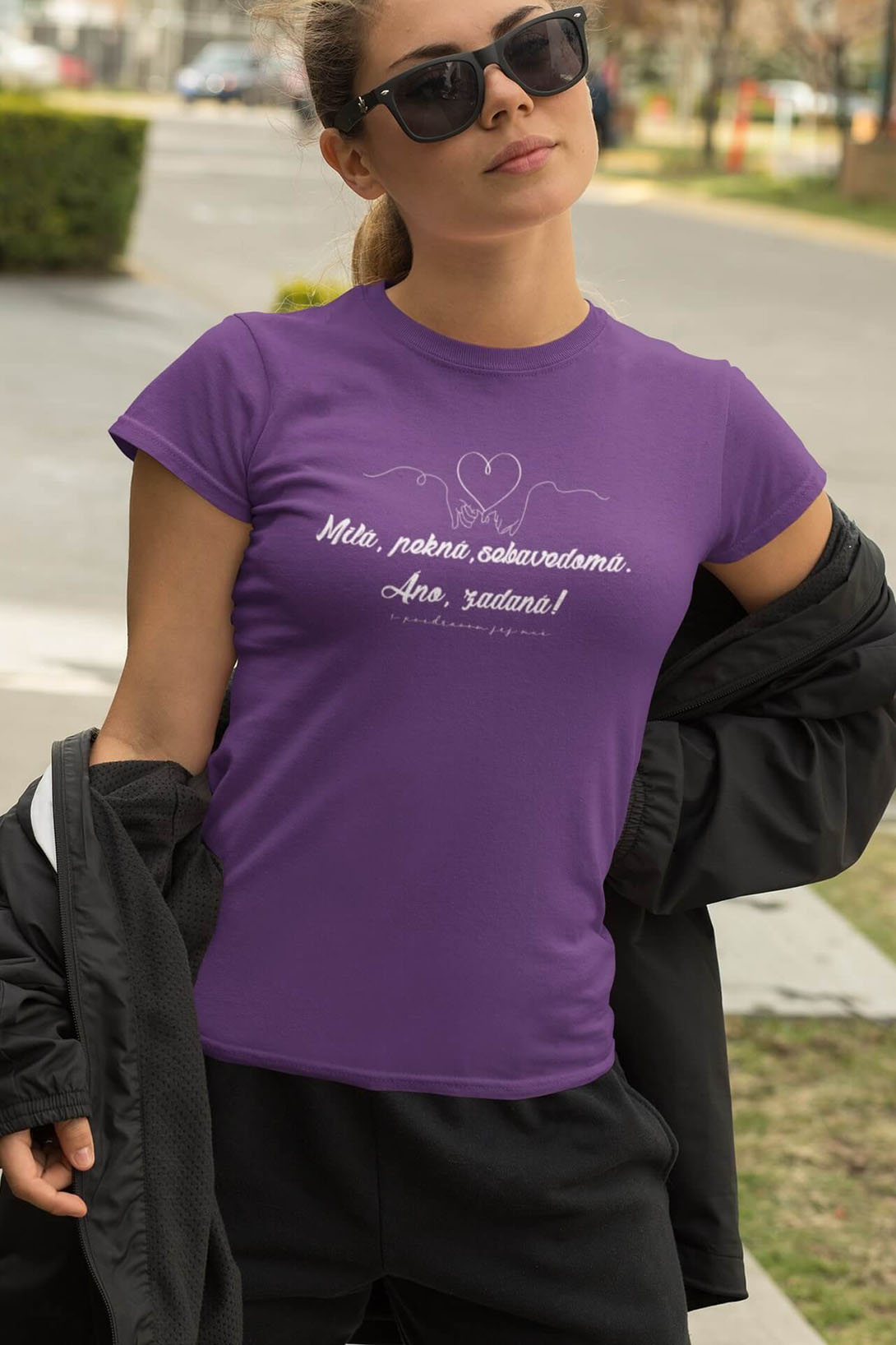 MMO Dámske tričko Milá, pekná, sebavedomá Vyberte farbu: Fialová, Vyberte veľkosť: M