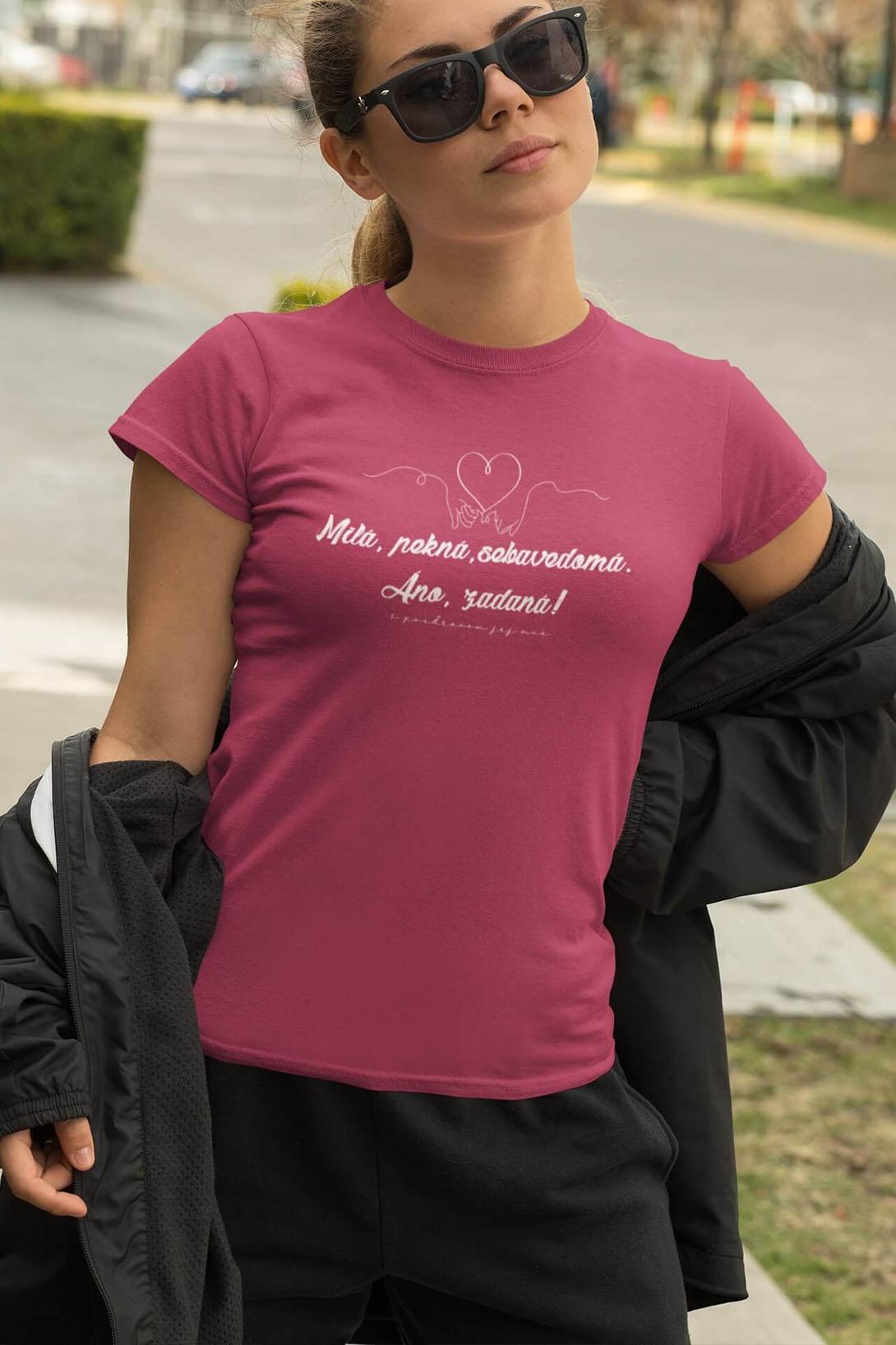 MMO Dámske tričko Milá, pekná, sebavedomá Vyberte farbu: Purpurová, Vyberte veľkosť: M
