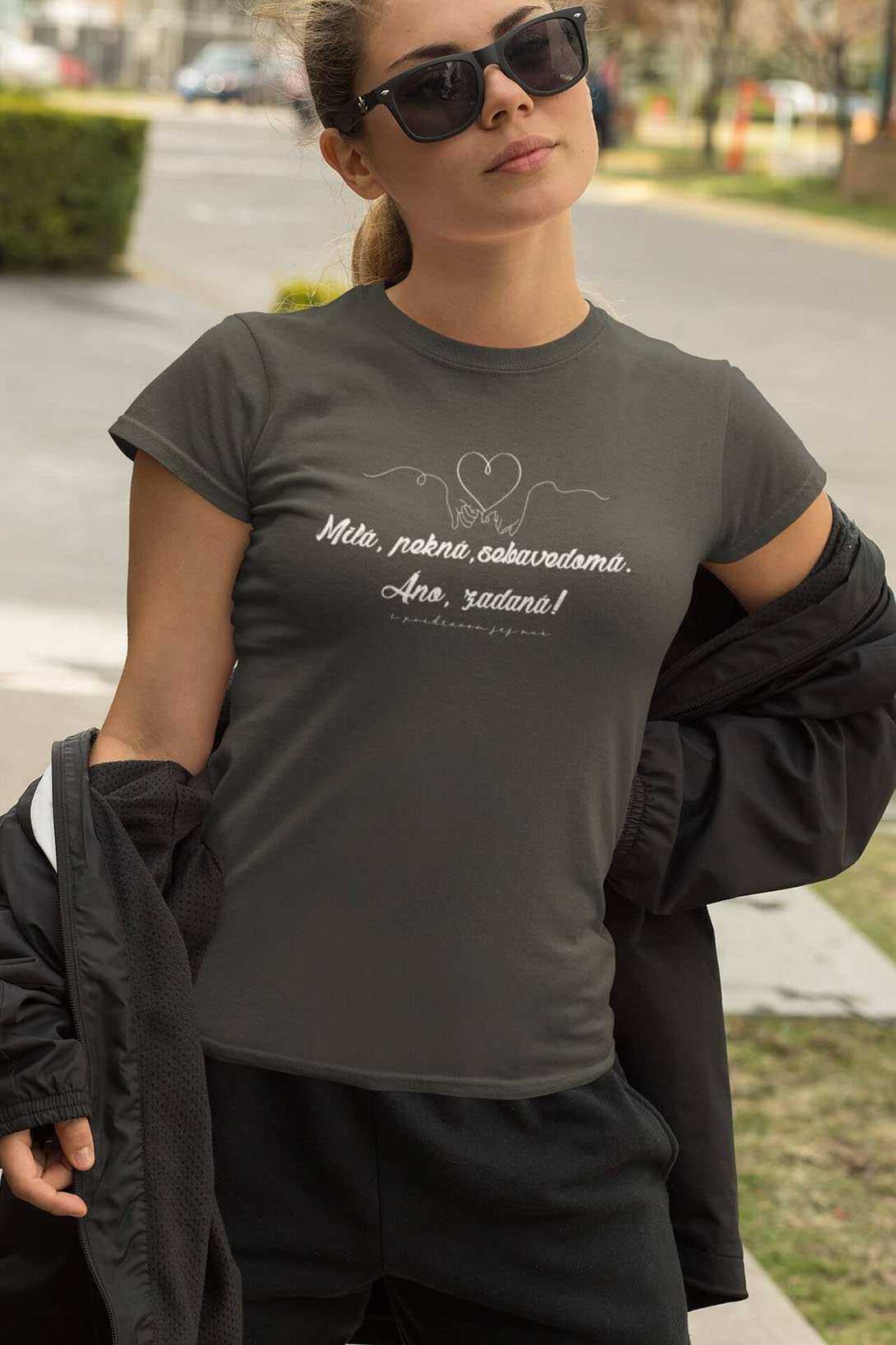 MMO Dámske tričko Milá, pekná, sebavedomá Vyberte farbu: Tmavá bridlica, Vyberte veľkosť: M