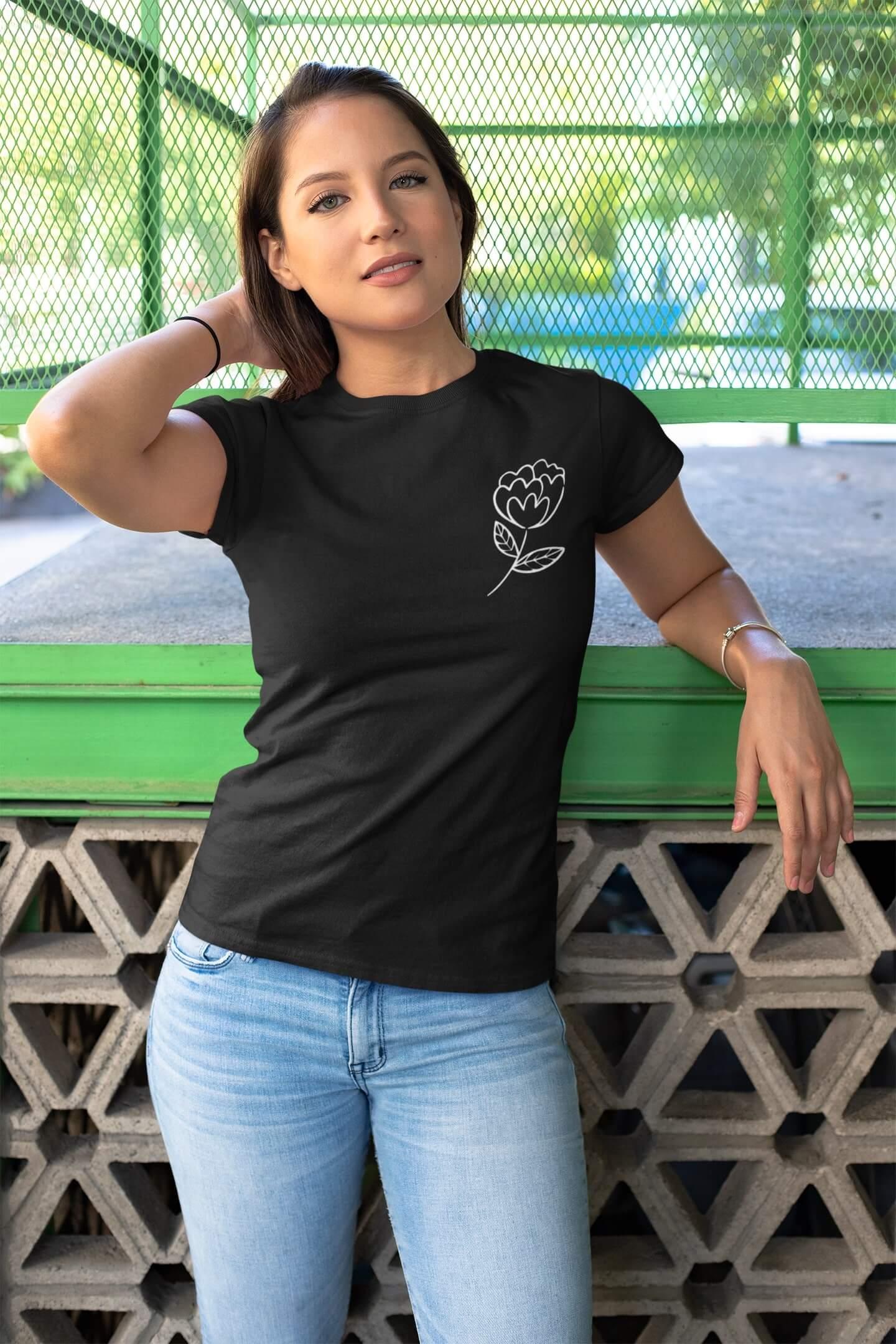 MMO Dámske tričko Kvet Vyberte farbu: Čierna, Dámska veľkosť: S