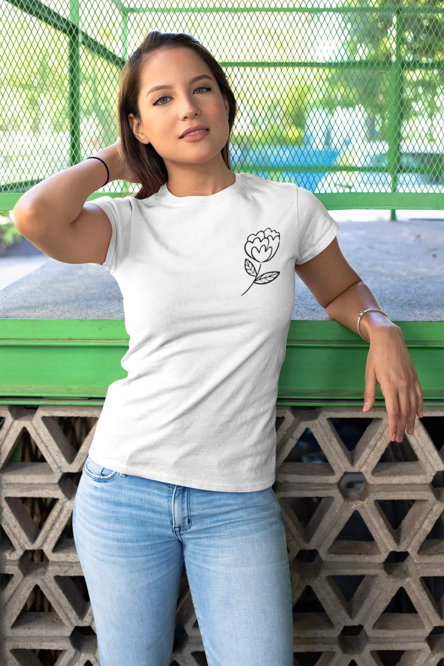 MMO Dámske tričko Kvet Vyberte farbu: Biela, Dámska veľkosť: S