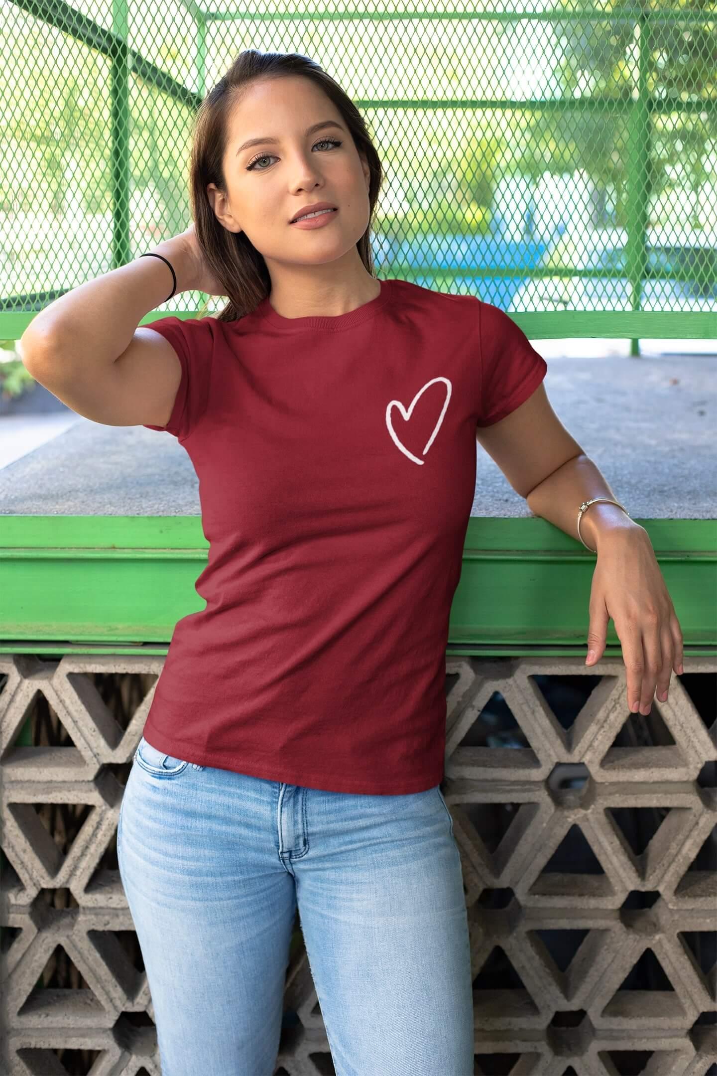 MMO Dámske tričko Srdce Vyberte farbu: Marlboro červená, Dámska veľkosť: M