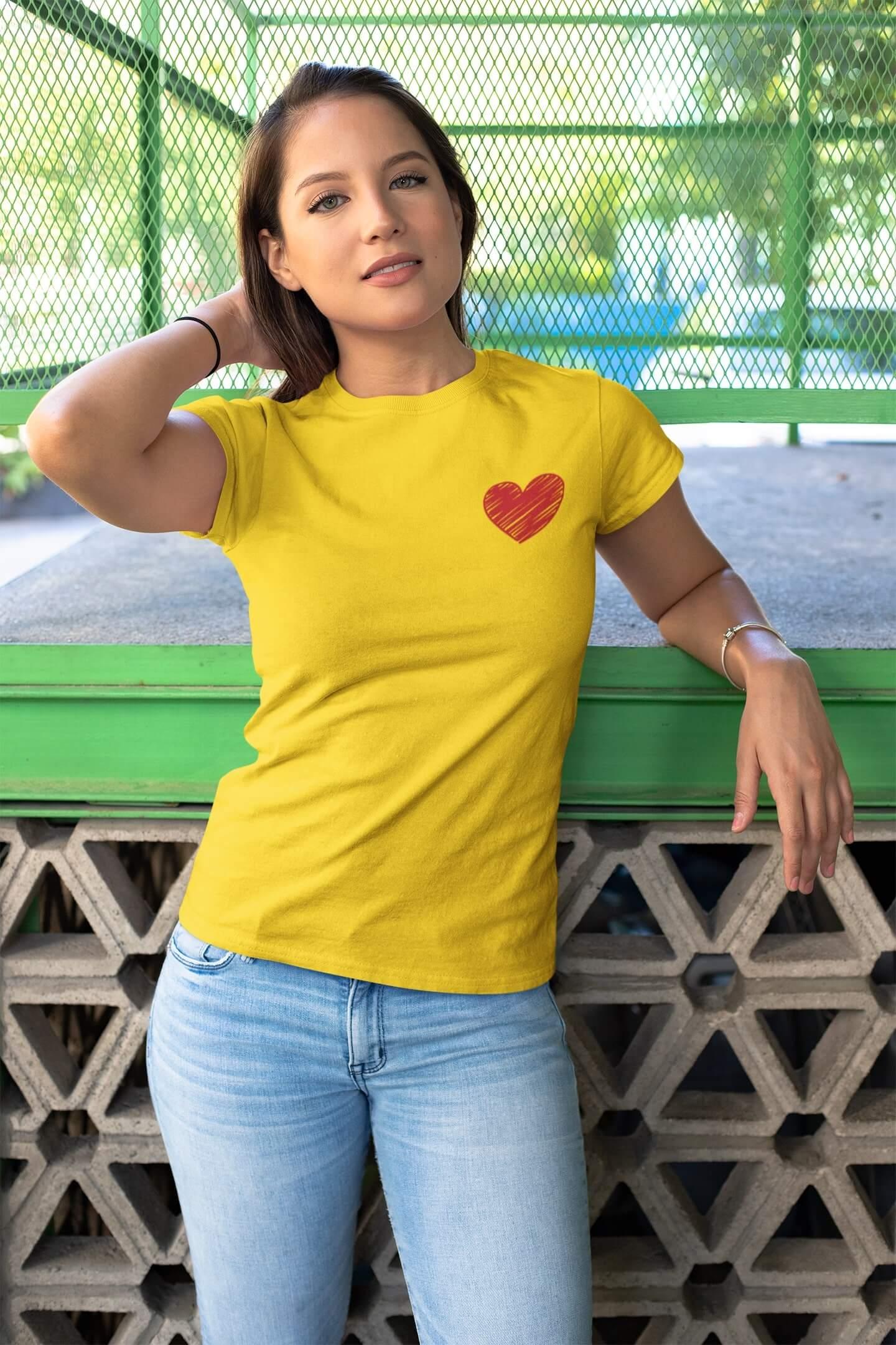 MMO Dámske tričko Červené srdce Vyberte farbu: Žltá, Dámska veľkosť: M