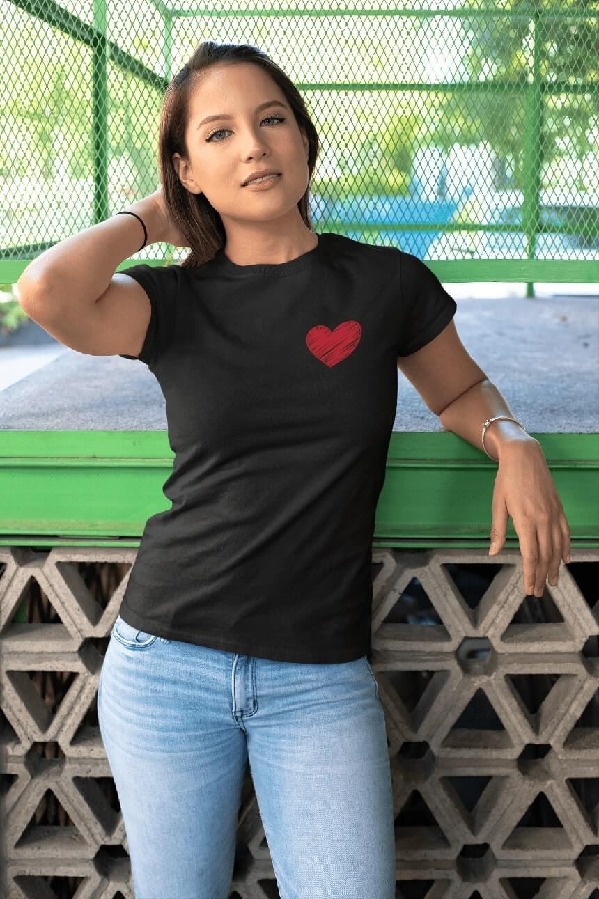MMO Dámske tričko Červené srdce Vyberte farbu: Čierna, Dámska veľkosť: M