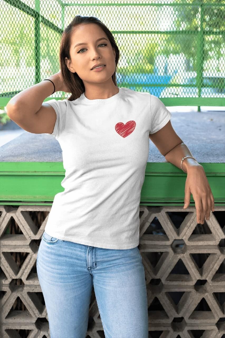 MMO Dámske tričko Červené srdce Vyberte farbu: Biela, Dámska veľkosť: M