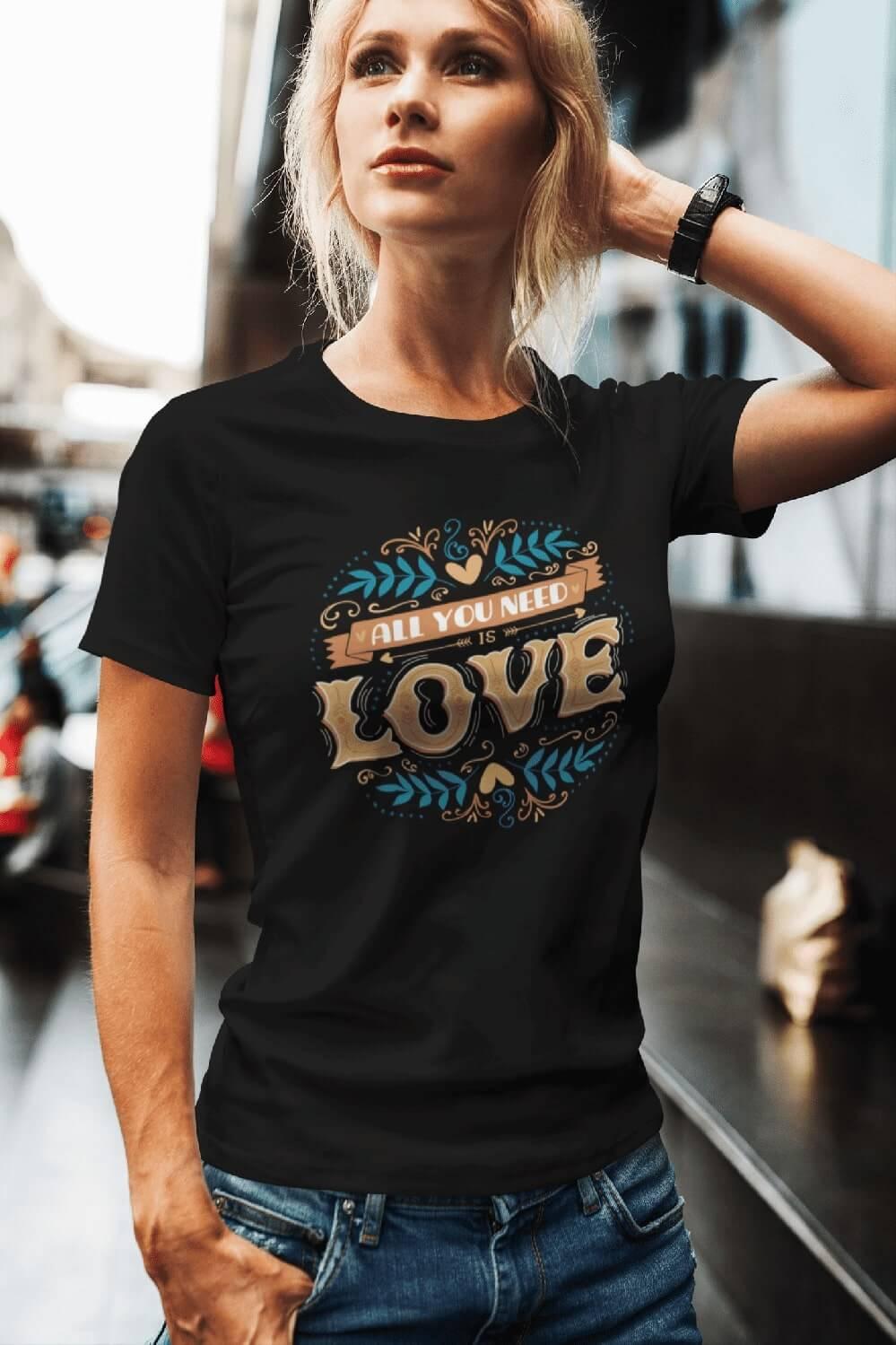 MMO Dámske tričko LOVE Vyberte farbu: Čierna, Vyberte veľkosť: XS
