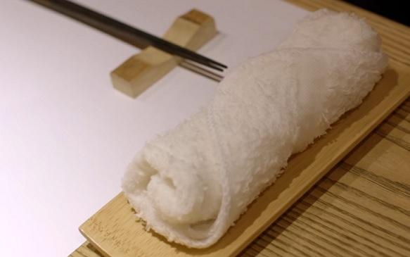 Základy stolování při konzumaci sushi
