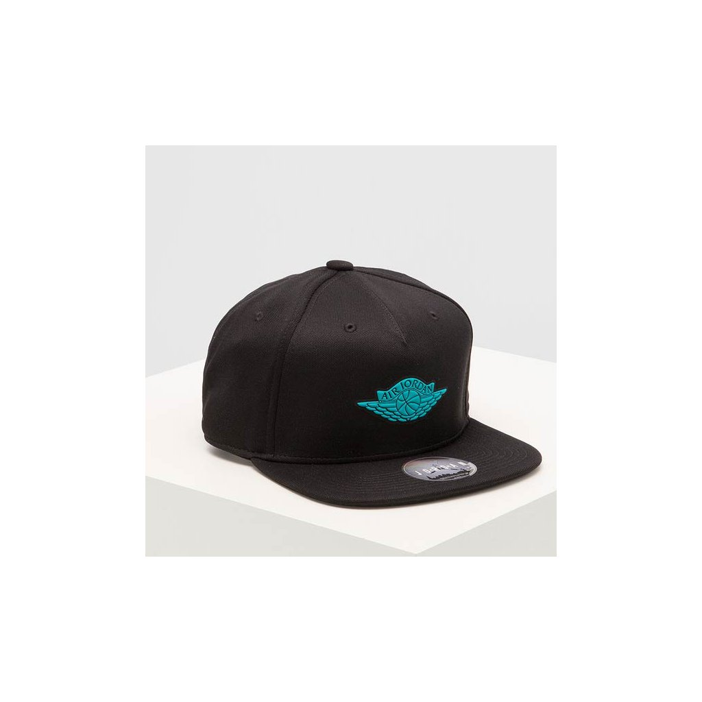 JORDAN WINGS STRAPBACK BLACK TURBO GREEN 2