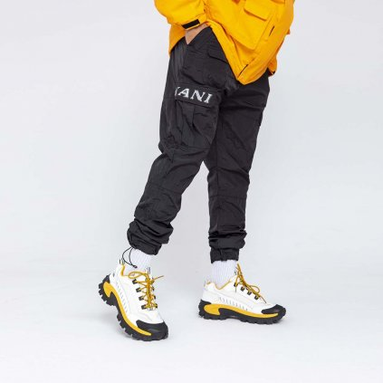 eng pl Karl Kani Retro Cargo Pants Crinkle Nylon black 43693 2