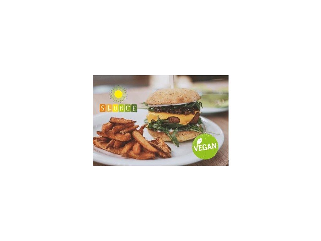 Beyond meat Spring burger s batátovými hranolky a chipotle majonézou