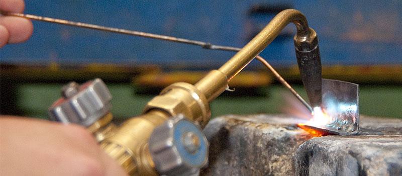 Svářecí drát při svařování autogenem