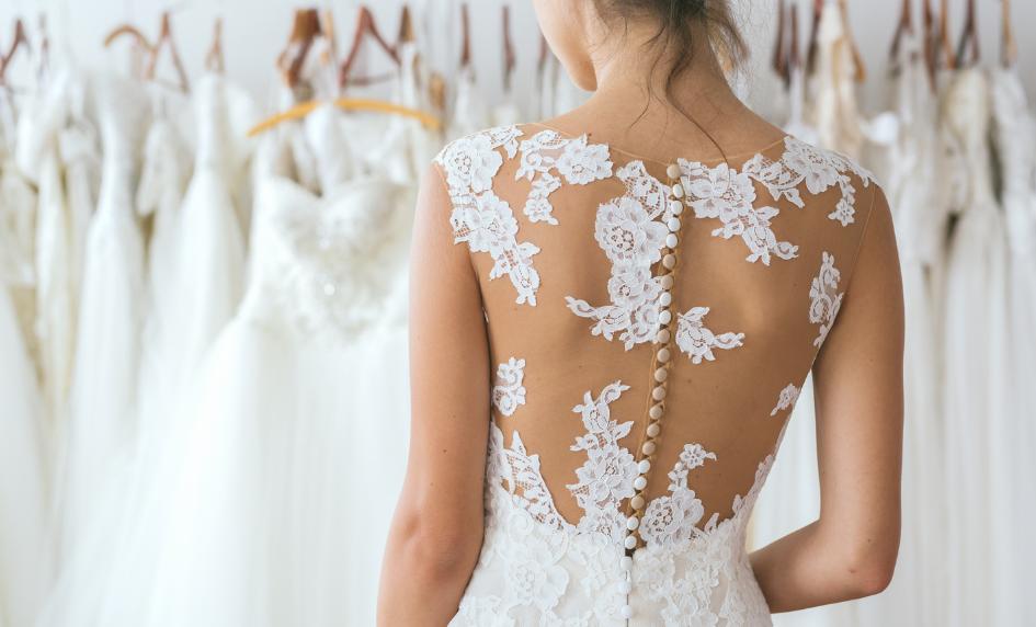 Svatební šaty záda svatební deník