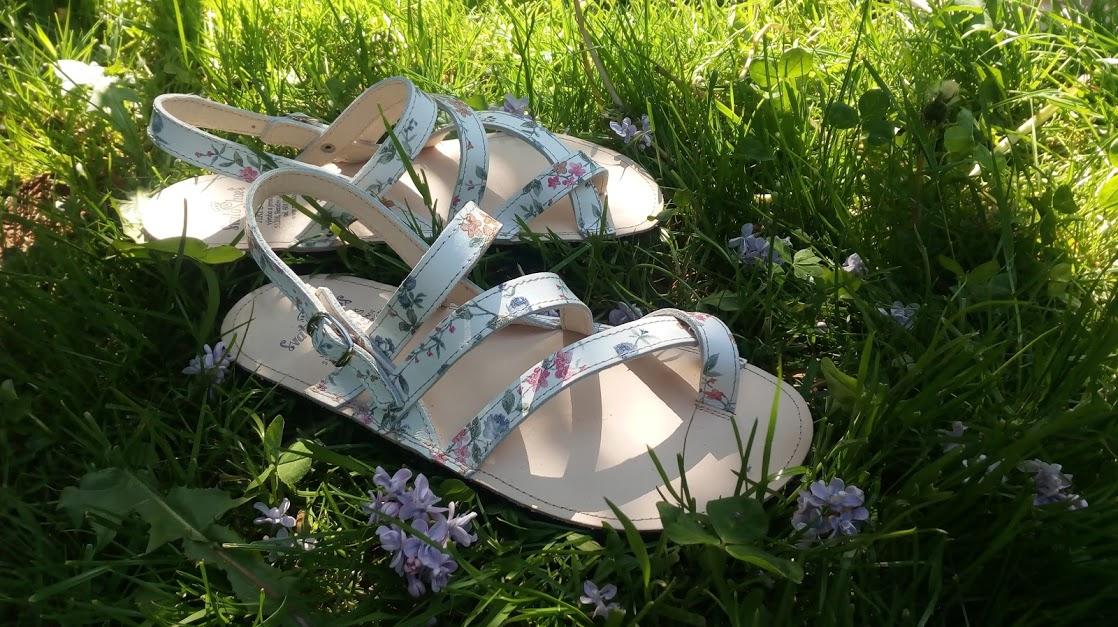 PačaMama... květinkové sandálky z kůže s náladou Provence*