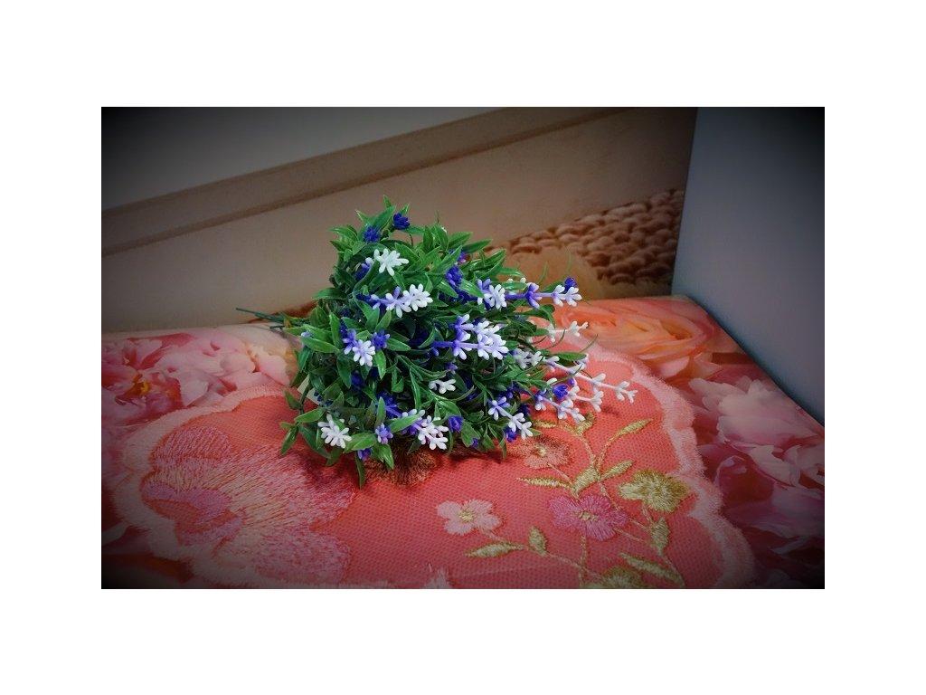 umělá květina levandule