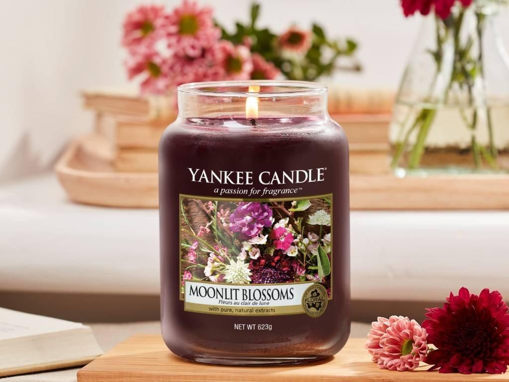 yankee candle moonlit blossoms svicka stredni