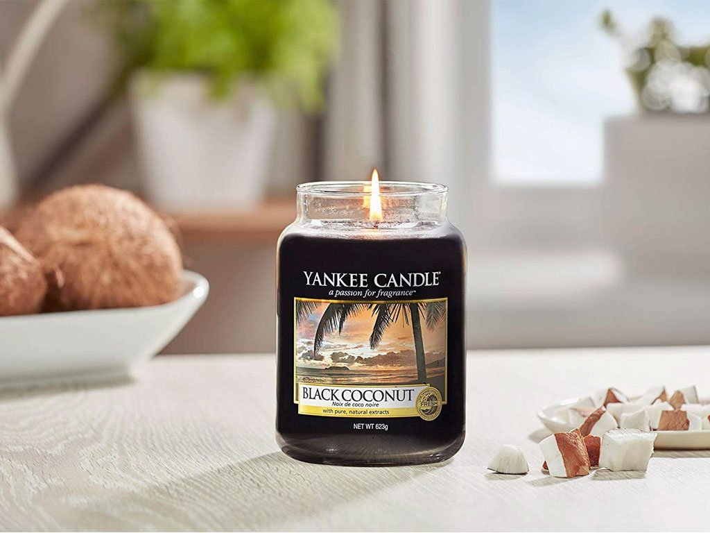 6737 yankee candle vonna svicka black coconut velka