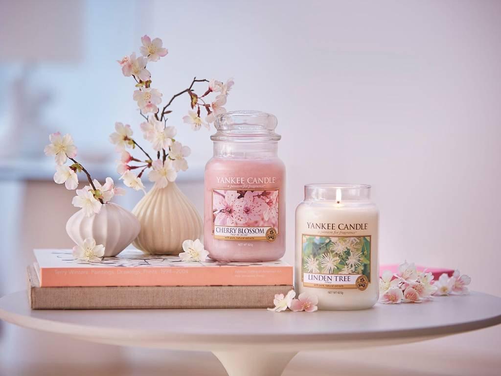 yankee candle cherry blossom sredni