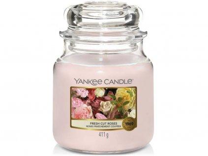 yankee candle fresh cut roses stredni