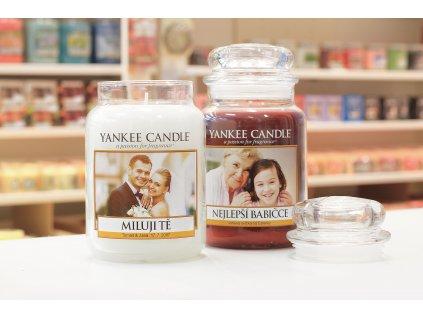 yankee candle etiketa na svicku