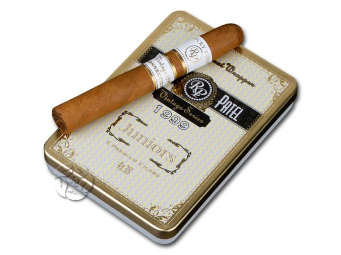 Rocky Patel Vintage 1999 Juniors CT5 and1 web