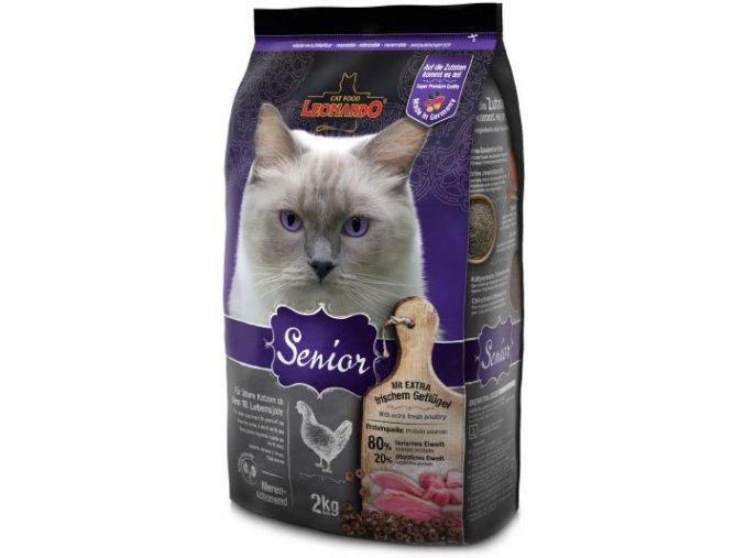 Kvalitní granule pro starou tlustou kočku
