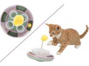 Interaktivní hračka pro koťata na pamlsky