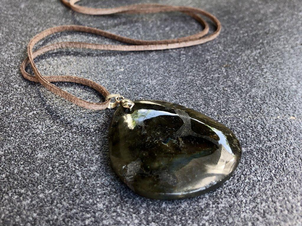 kámen labradorit šperk