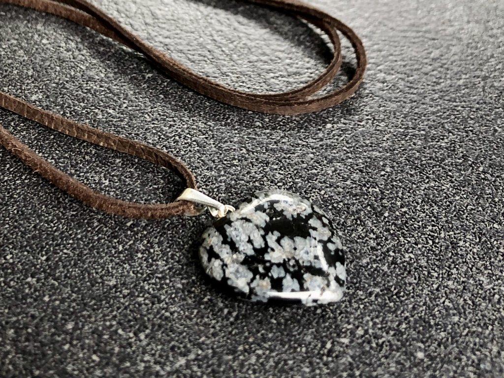 přívěsky z minerálů, obsidián vločkový přívěsek srdce